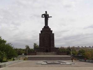 yerevan-mother-armenia-monument